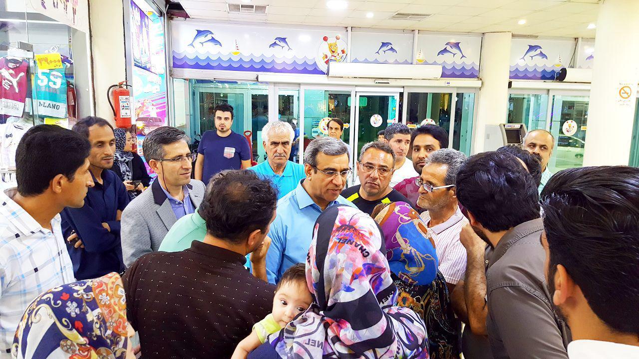 💠 حضور غلامحسین مظفری مدیرعامل محترم منطقه آزاد کیش در بازار بزرگ ونوس کیش: